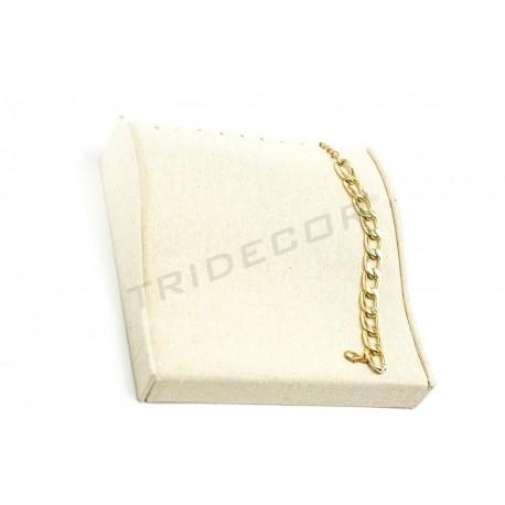 Bandeja curvada, exposición de pulseras tela lino beige, tridecor