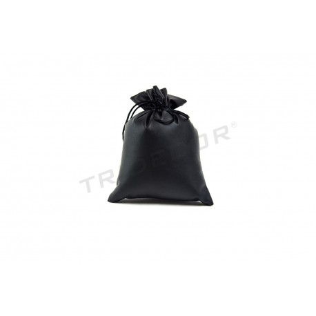 Bag for jewelry with black synthetic leather 17x15cm