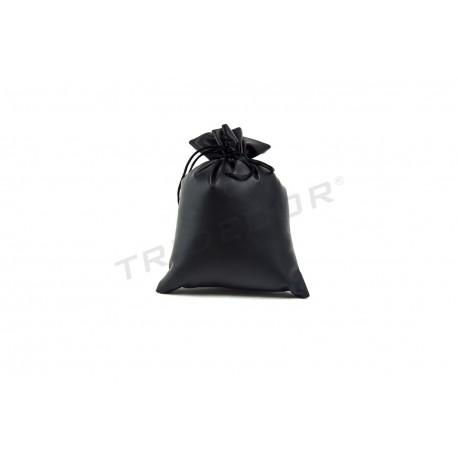 Bolsa de xoias con negro de coiro sintético 17x15cm