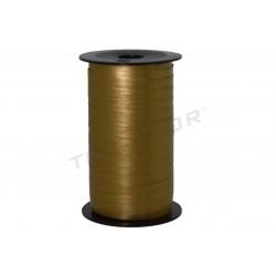 带纸的黄金的色彩100米