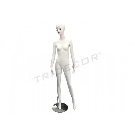 Mannequin-women's white matte, eyelashes, and lips makeup
