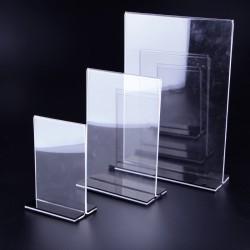 Portacarteles de metacrilato tamaño A4. tridecor