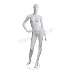 Manichino di una donna di fibra di vetro colore bianco lucido