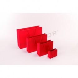 Bolsa de papel plastificado con asa de cordón color rojo mate,14+6x11cm, 12 unidades
