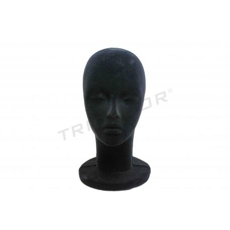 头聚苯乙烯排在黑色的天鹅绒