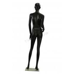 Maniquí de mujer de rasgos semi faccionados de color negro mate