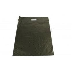 Bolsas de plástico con asa troquelada y reforzada de 50x60 cm, color negro y puntos dorados.