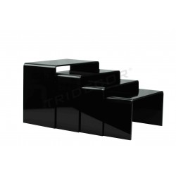 Expositor negro acrílico forma C, 4 alturas, tridecor
