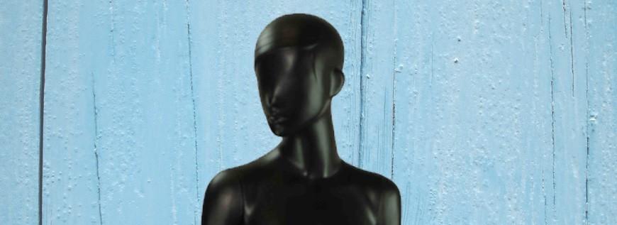 Manequins A Mulher De Preto